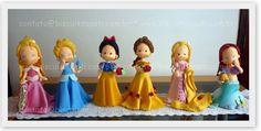 https://flic.kr/p/aHqeaa | Grandes Princesinhas =) | Todas (com 30cm de altura) para a Fábula Festas.  Pati contato@biscuitdapati.com.br