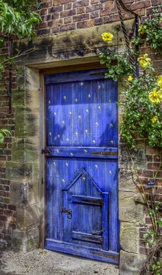 Alnwick Castle Garden - Alnwick, Northumberland, England