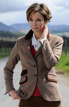 House of Bruar- Ladies Velvet Trim Tweed Jacket