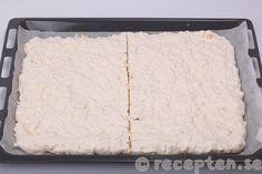 Delad marängbotten Vanilla Cake, Cheese, Food, Meals, Yemek, Eten