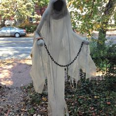 Halloween decor ideas: DIY ghost
