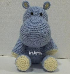 Boa noite amiguinhos. Good evening my friends. New hippo ready to go to his new home sweet home. Novo hipo pronto para ir para seu novo lar doce lar. Pattern by Dionne Design  @becodaangel #amigurumi #forbabies #quartodemenino #quartodebebe #babiesroom #enxovalmenino #enxovalmenina #mamaeebebe #littlehippo #hippopotamus #hippo #hipopotamo #mimos #plushies #brinquedos #toys #amigurumihippo #crochet #amigurumitoys #forbabies #forlittleboys #decoraçao #homedecor #decoradoras #babysdecor by…