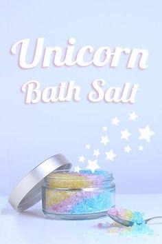 DIY beruhigendes Badesalz à la Unicorn ✨ Ätherisches Lavendelöl wirkt beruhigend & entspannend. Viele Menschen können nach einem Lavendelbad besser einschlafen. Eine Geschenkidee zum Geburtstag, oder einfach nur so. Lavendel Badesalz selbstgemacht | Homemade Bath Salt