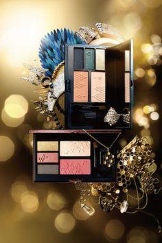 スッククリスマスコフレ気鋭の日本人デザイナーとコラボ Mac Makeup, Makeup Set, Makeup Eyeshadow, Beauty Art, Beauty Hacks, Mack Up, Still Photography, Light Texture, Minerals And Gemstones