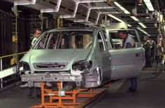 der-erste-familienvan-auf-dem-deutschen-automarkt-kam-auch-aus-bochum-ab-1999-bauten-die-bochumer-den-siebensitzer-zafira