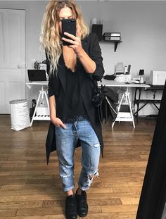 Blouse Appoline sur jean (old) boots sur sac Just Style, Looks Style, Casual Looks, Edgy Outfits, Mode Outfits, Fashion Outfits, Look Fashion, Winter Fashion, Look Jean