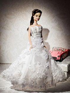 bride gowns barbies  1..4 qw