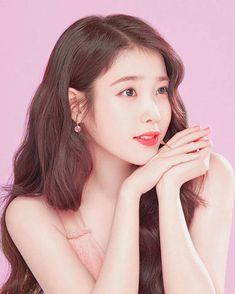 She's beautiful 💖💖💖 Iu Twitter, Art Anime, Iu Fashion, Korean Actresses, Korean Celebrities, Korean Beauty, Ulzzang Girl, Korean Singer, Korean Girl