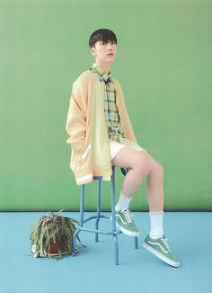 Ten, showing his beautiful legs TT TT♡ Taeyong, Jaehyun, Sarah Andersen, Lee Young, Young K, Winwin, Nct 127, K Pop, Ten Chittaphon