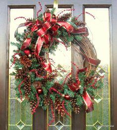 CHRISTMAS PINECONE WREATH, Christmas Dcor, Holiday Wreath, Pinecone Wreath, Christmas Country, Natural Wreath, Door Wreath, Rustic Wreath on Etsy, $65.00
