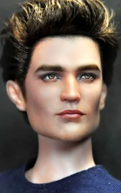 Repainted dolls by Noel Cruz Twilight Dolls, Twilight Saga, Ooak Dolls, Art Dolls, Barbie Celebrity, Twilight Photos, Realistic Dolls, Doll Repaint, Amazing Pics