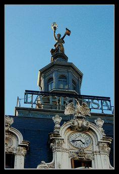 Avenida de Mayo, Buenos Aires - Antiguo edificio de La Prensa    Cúpulas de Buenos Aires