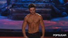 Pin for Later: Seht all die verrückten Momente der MTV Movie Awards — als GIFs Als Zac Efron seinen Muskeln anspannte Source: MTV