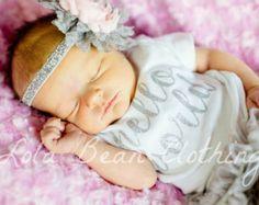 Hello World Take Home Outfit Baby Girl Take von LolaBeanClothing