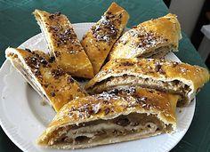 Vídeňský štrúdl - Viennese strudel - Czech Pecan Pralines, Strudel, French Toast, Spices, Goodies, Rolls, Cooking Recipes, Sweets, Chocolate
