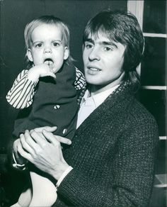 Davy with his daughter Talia Thomas Jones, Horsemen Of The Apocalypse, Jones Family, All In The Family, Davy Jones, The Monkees, Celebrity Kids, People Laughing, Two Girls