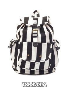 Backpack #Todomoda #BacktoGrunge #Studs #TooCoolforSchool #Fashion #Style #Accessories #BrooklynWinter