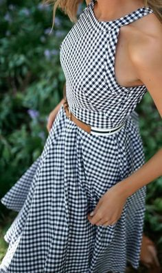 Navy and white gingham fit and flare dress with striped belt. Dress Outfits, Casual Dresses, Fashion Dresses, Cute Outfits, Summer Dresses, Pretty Dresses, Beautiful Dresses, Mein Style, Gingham Dress