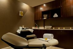 Our facial treatment room spa салон Spa Treatment Room, Spa Treatments, Facial Treatment, Beauty Salon Decor, Beauty Salon Interior, Beauty Bar, Spa Design, Salon Design, Facial Room