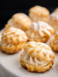 Choux a la creme cu mascarpone Dessert Recipes, Desserts, Creme, Food And Drink, Cooking Recipes, Sweets, Candy, Snacks, Cookies