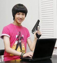 Kpop Zodiac - Signs As Taemin Memes K Meme, Funny Kpop Memes, Exo Memes, Meme Pictures, Reaction Pictures, Meme Faces, Funny Faces, K Pop, Mtv