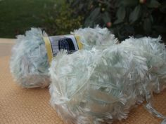 White Feather Boa Yarn,