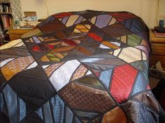 2789370367_a0a0a020a3.jpg 500×375 pixels  Recycled tie quilt