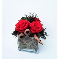 červené balzamované ruže v sklenenej váze 11 x 11 x 15 cm