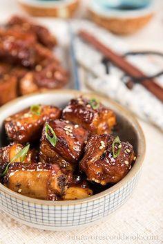 The Best Crispy Sweet and Sour Ribs (糖醋小排) | http://omnivorescookbook.com
