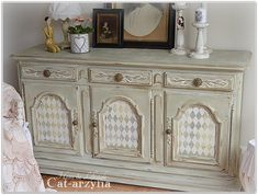 Painted chest. buffet at Cat-arzyna: shabby chic