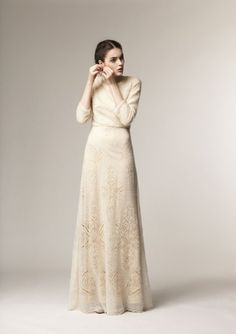 Beautiful full-length dress with sleeves from A La Russe at Mode-sty Modest Dresses, Modest Outfits, Modest Fashion, Hijab Fashion, Fashion Dresses, Dresses With Sleeves, Hijab Dress, Dress Skirt, Dress Up
