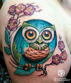 Tattoo coruja azul na cerejeira - Foto