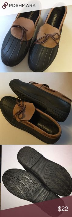 Weather Spirits Ankle Height Duck Shoes.  Men's 11 Weather Spirits Ankle Height Duck Shoes.   Excellent Condition.  Like New.  Super Clean & Look Great.  Soles Are Without Wear Or Tear.  Weatherproof & Waterproof.  Color:  Black.  Size:  Men's 11.  Rubber Lowers, Leather Uppers.  Nice! Weather Spirits Shoes Rain & Snow Boots
