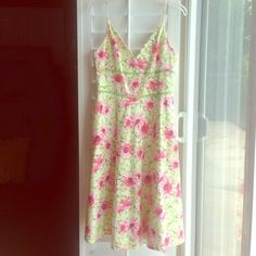 Lime & Pink Floral Summer Dress Purchased at Neiman Marcus, great sun dress, wear a light blazer or sweater ove, v neck and a line skirt. Fit and flare. Carmen Marc Valvo Dresses