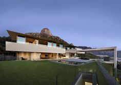 Views of Mountains and the Sea for a South African Home