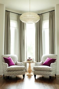 Bay Window Decorated With Chairs And Table With Neutral Curtains : Beautiful Bay Window Curtains
