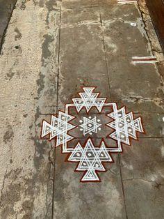 Free Hand Rangoli Design, Small Rangoli Design, Rangoli Border Designs, Rangoli Designs With Dots, Rangoli Designs Images, Beautiful Rangoli Designs, Easy Rangoli Designs Videos, Rangoli Designs Latest, Rangoli Designs Diwali