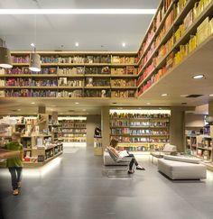 Saraiva Bookstore, Rio de Janeiro, 2013 - Studio Arthur Casas #booshelves