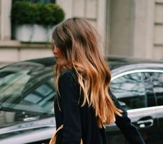 Hair crush: Tousled, long + wavy styling. // Brunette with natural highlights.