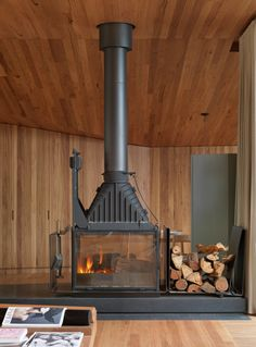 Fairhaven Beach House, Victoria, Australia - a warm heart of wood by John Wardle Architects The open sea, speckled with spots of surfers. It's an ecstasy of sights from villa Fairhaven Beach House, on. Home Fireplace, Fireplace Design, Fireplaces, Prefab Fireplace, Fireplace Whitewash, Fireplace Candles, Country Fireplace, Fireplace Modern, Tall Fireplace