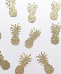 Este listado está para (1) paquete de Confetti de piña de brillo que incluye (50) 2 piñas glitter Oro troquelada. Piñas son brillo en una cara, la