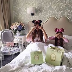 Minnie mouse looks. mother and daughter matching Mom And Baby, Mommy And Me, Baby Kids, Baby Boy, Great Pictures, Cool Photos, Luxe Life, Mom Daughter, Daughters