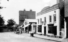 The Old Nag's Head, Mitcham, c.1935. South London, Old London, Greater London, Surrey, Old Pictures, Old Things, Street View, History, Building