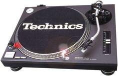 Ladies & Gentleman please put your hands together for the legend that is the TECHNICS SL1210 MK II