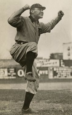 These historic Detroit Tigers photos show Ty Cobb, Hughie Jennings in action Baseball League, Baseball Players, Baseball Cards, Detroit Tigers Baseball, Pittsburgh Steelers, Dallas Cowboys, Davy Jones, American League, Historia