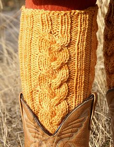 Ravelry: Waterlily Leg Warmers pattern by Andi Clark #free_pattern I'd have to learn cable first :/
