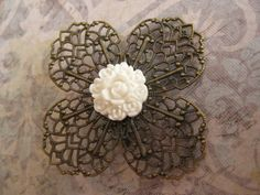 Broche flor