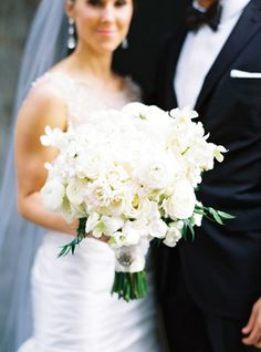white bouquet | Trent Bailey #wedding