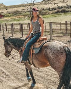 Cute Cowgirl Outfits, Rodeo Outfits, Cowgirl Style, Western Outfits, Cute Outfits, Gypsy Cowgirl, Hot Wheels, Looks Country, Country Life