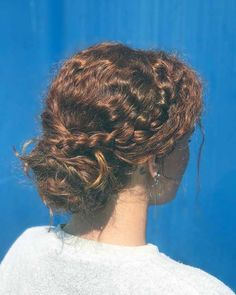 31 Stunning Updos For Curly Hair That'll Rule in 2021 - HqAdviser